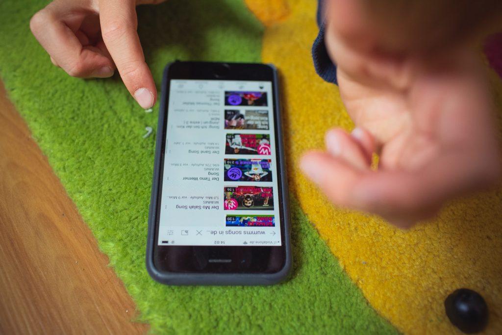como baixar o aplicativo videoder no celular